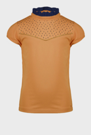 Nono tshirt with ruffled collar and small embroidery at chest