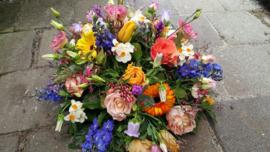 bloemstuk spring flowers