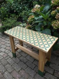 Eiken tafeltje groen patroon
