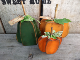 Set van 3 houten pompoentjes