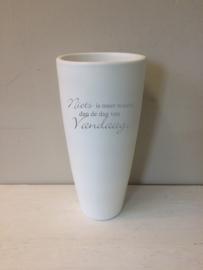 Witte vaas met opdruk, 41cm