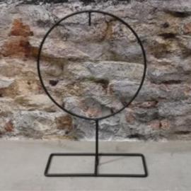 Ronde yzeren frame op voet 25cm