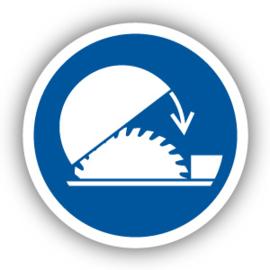 Stickers Gebruik de verstelbare kap van de tafelzaag (M031)