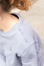 Sweater – Lava Grey - met of zonder 'Rebel with a cause' tekst