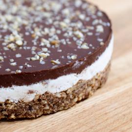 Vegan Bountytaart - lactosevrij, glutenarm en suikerarm