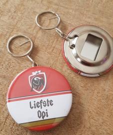 UITVERKOOP Button flesopener sleutelhanger liefste Opi (jupiler)