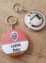 UITVERKOOP Button flesopenen sleutelhanger liefste peter (jupiler)