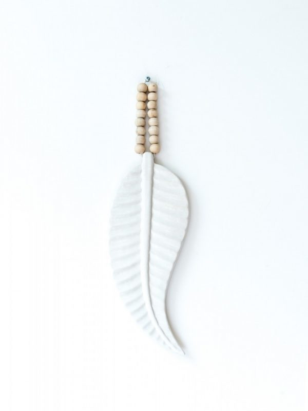 Feather mala ceramics white Madumadu