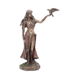 Beeld - Morrigan and Crow -  28cm