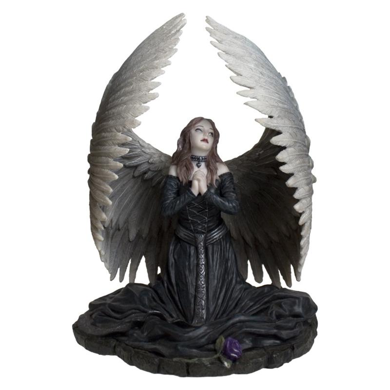 Beeld - Prayer for the Fallen - Anne Stokes