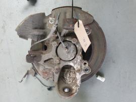 Fuseestuk/ Wielnaaf  Rechts gebruikt voor de Mazda MX-5 NC