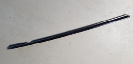 Raamsnor Raamrubber buitenkant op Portier LINKS gebruikt zwart voor de Mazda MX-5 NC