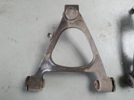 Linkerzijde Voorste Draagarm voor / bovenzijde gebruikt  Mazda MX-5 NC