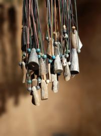 Halsketting met hanger van hoorn