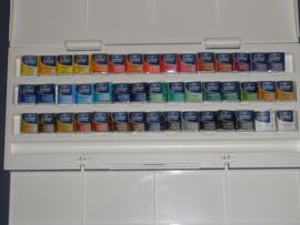 Winsor & Newton watercolor set 45 pans