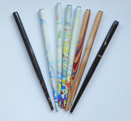Pen holder marbled set of 4.