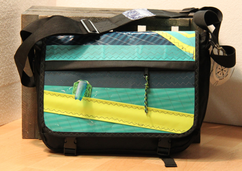 Messenger tas XL oud surfzeil