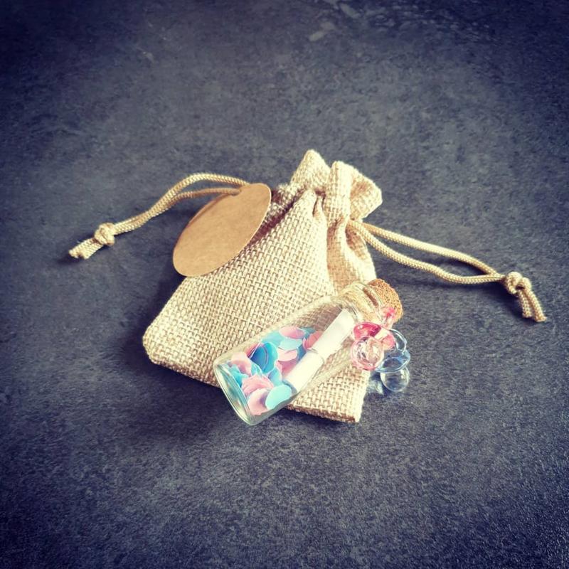 Flessenpost - confetti - meisje