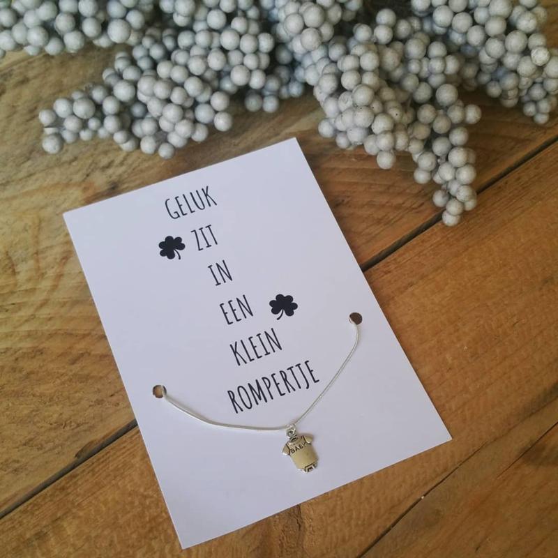 Sieradenkaart ''Geluk zit in een klein rompertje''