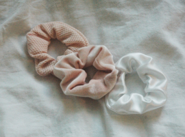 set 3 scrunchies light pink tricot + light pink velvet + white