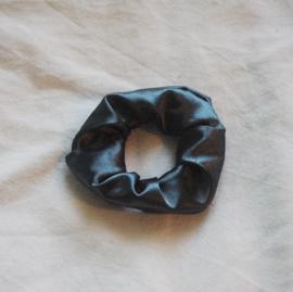 scrunchie sapphire green (satin)