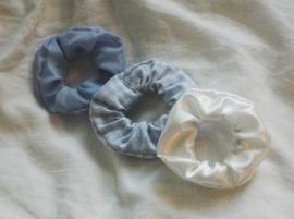 set 3 scrunchies light blue + gingham white/light blue + white