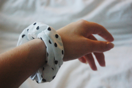 scrunchie polka dot (cotton)