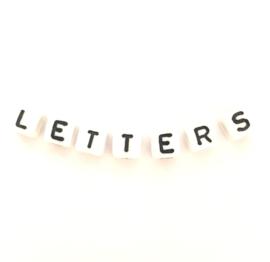 Letterkralen vierkant per 50 stuks