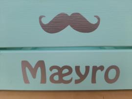 Kistje met naam en afbeelding