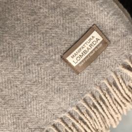 Lichtgrijze plaid met wol van Lombarda