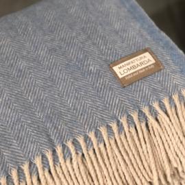 Lichtblauwe plaid met wol van Lombarda