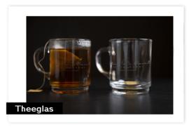 Theeglas met logo