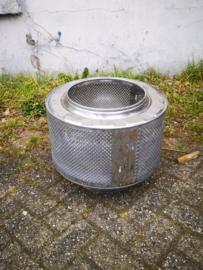 Vuurkorf van een oude wasmachinetrommel op 1 poot