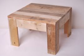 Bijzettafeltje gemaakt van pallethout klein