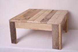 Bijzettafeltje gemaakt van pallethout middel