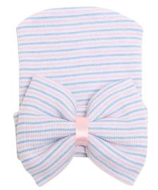 Geboorte mutsje met strik lichtblauw/roze