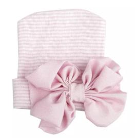 Geboorte mutsje grote strik | roze