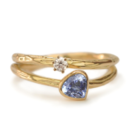 Dubbele structuurring met vingerafdruk, saffier en diamant - verkocht