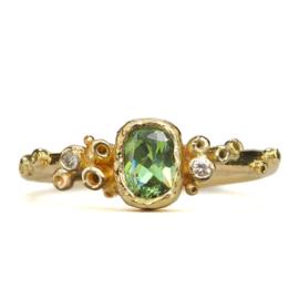 Gouden Overgrown ring met demantoïde granaat - verkocht