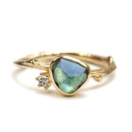 Gouden Tiny Blossom ring met groene toermalijn en diamant - verkocht