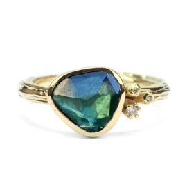 Gouden Blossom ring met groene toermalijn en diamant