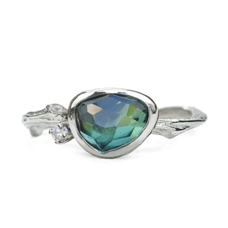 Zilveren Tiny Blossom ring met toermalijn en diamant - verkocht