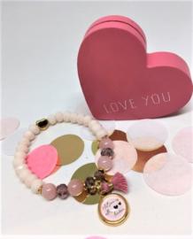 Armbandje met tekstbedel beige-roze