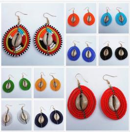 Masai Beads Schelp oorbellen