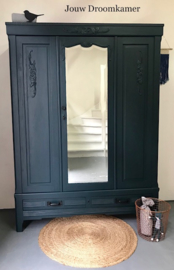 Frans brocante drie deurs kledingkast met spiegel Simon