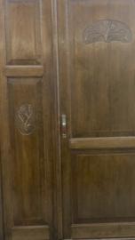 Antieke drie deurs kledingkast  Elvira