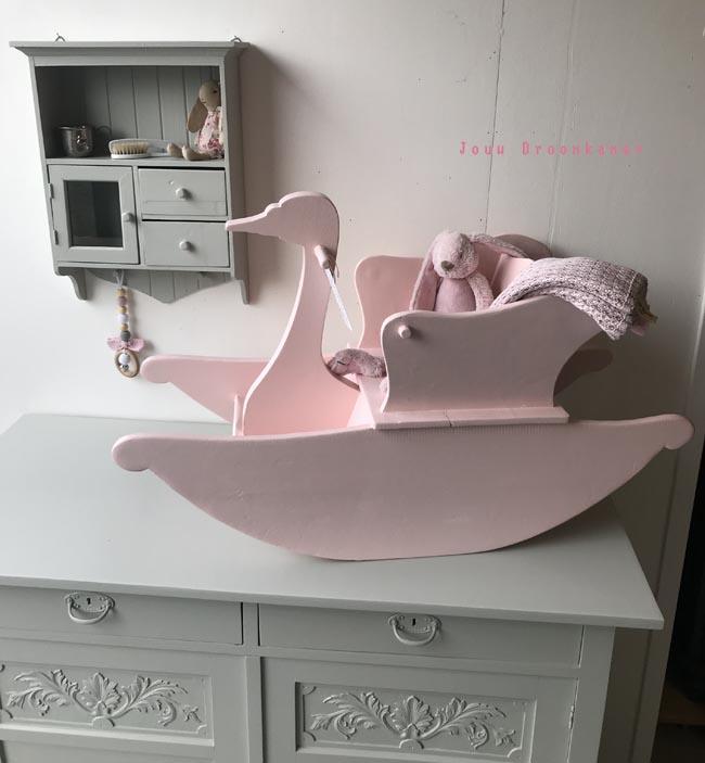 Antieke oud roze hobbelzwaan Emma