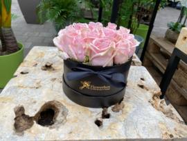 Flowerbox maat S roze rozen