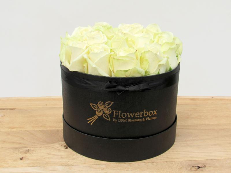 Flowerbox witte rozen maat M