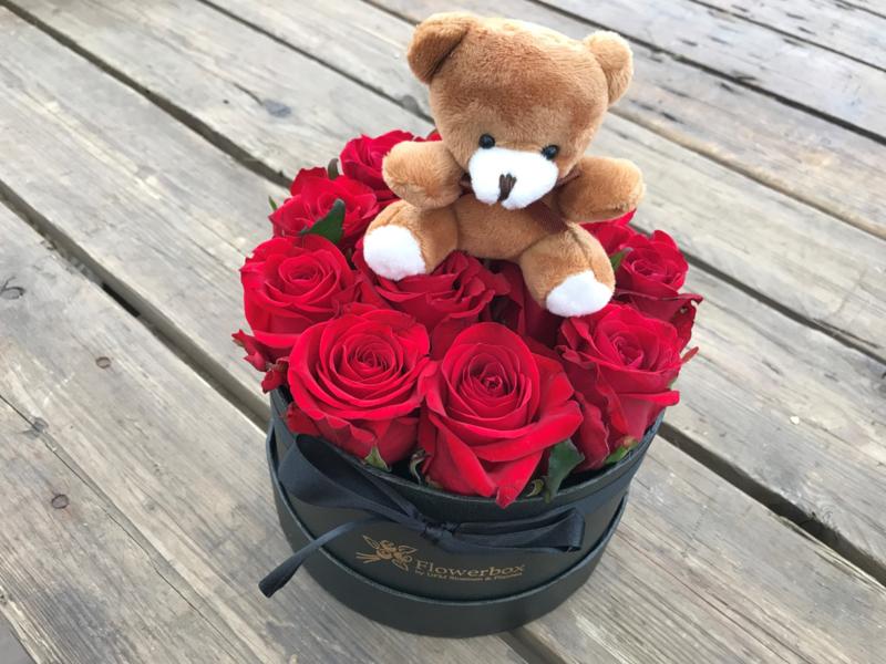 Flowerbox beertje met rode rozen | Maat M